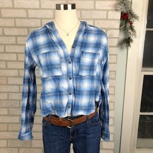 Hollister Cropped Plaid Button Up Flannel Size M
